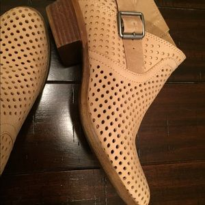Lucky Brand leather shoe bootie boots Camuto BCBG